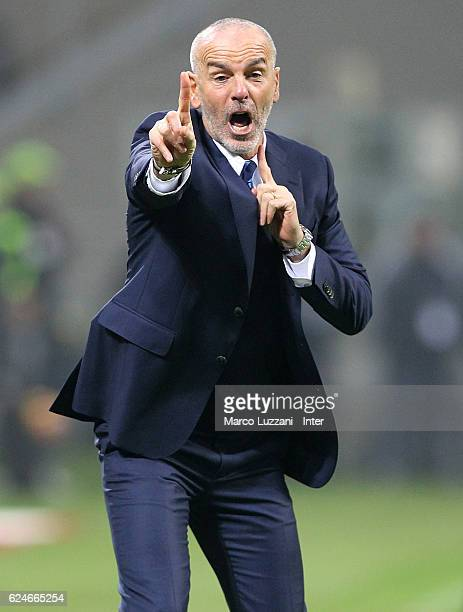 Head coach of FC Internazionale Stefano Pioli reacts during Serie A match between AC Milan and FC Internazionale at Stadio Giuseppe Meazza on...