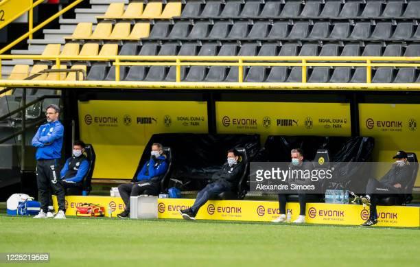 Head coach of FC Schalke 04 David Wagner looks on during the Bundesliga match between Borussia Dortmund and FC Schalke 04 at Signal Iduna Park on May...