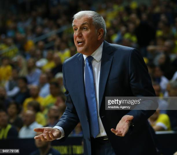 Head coach of Fenerbahce Dogus Zeljko Obradovic gives tactics to his players during Turkish Airlines Euroleague playoff Quarter Final series second...