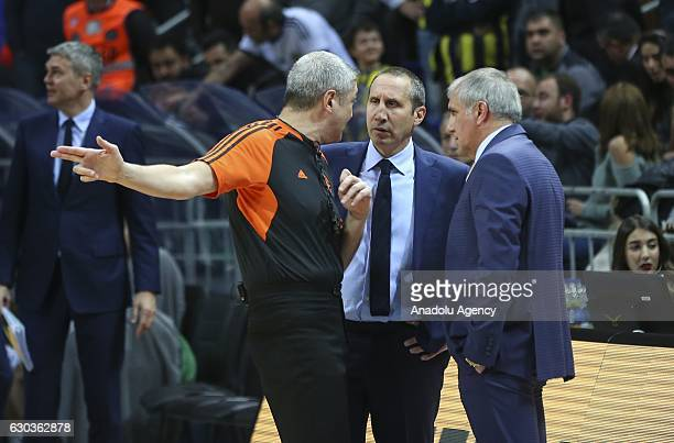 Head Coach of Fenerbahce Zeljko Obradovic and Head coach of Darussafaka Dogus David Blatt are warned by referee Luigi Lamonica during the Turkish...