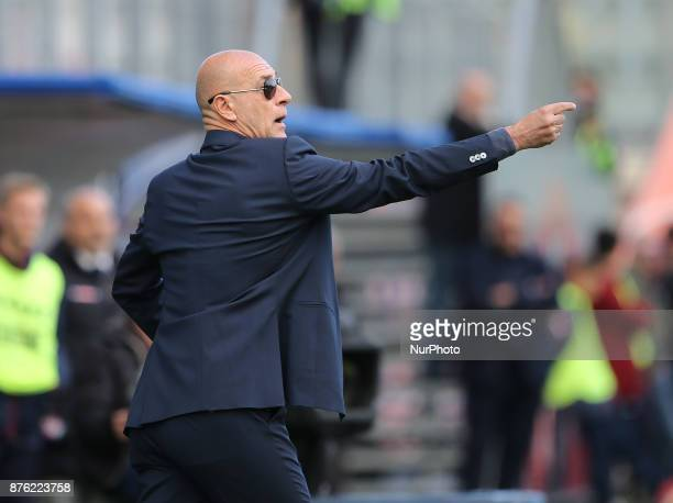 Head coach of Genoa Davide Ballardini during the Serie A match between FC Crotone and Genoa CFC at Stadio Comunale Ezio Scida on November 19 2017 in...