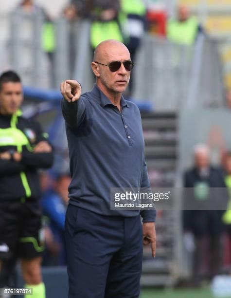Head coach of Genoa Davide Ballardini gestures during the Serie A match between FC Crotone and Genoa CFC at Stadio Comunale Ezio Scida on November 19...