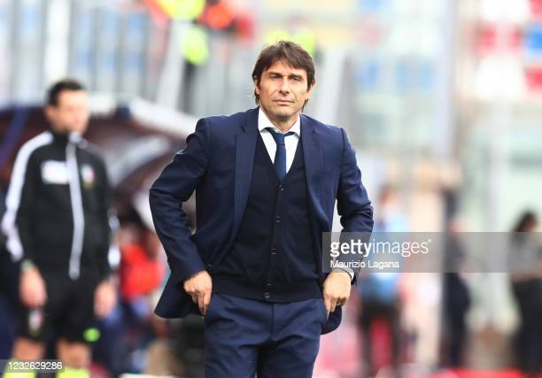 Head coach of Inter Antonio Conte looks on during the Serie A match between FC Crotone and FC Internazionale at Stadio Comunale Ezio Scida on May 01,...