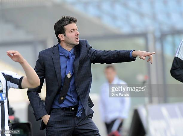 Head coach of Internazionale Milano Andrea Stramaccioni gestures during the Serie A match between Udinese Calcio and FC Internazionale Milano at...