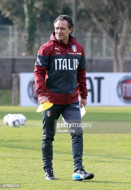 Head coach of Italy Cesare Prandelli attends a training session at Acqua Acetosa on March 10 2014 in Rome Italy