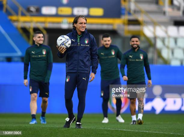 Head coach of Italy Roberto Mancini looks on during a training session at Stadio Ennio Tardini on March 24, 2021 in Parma, Italy.