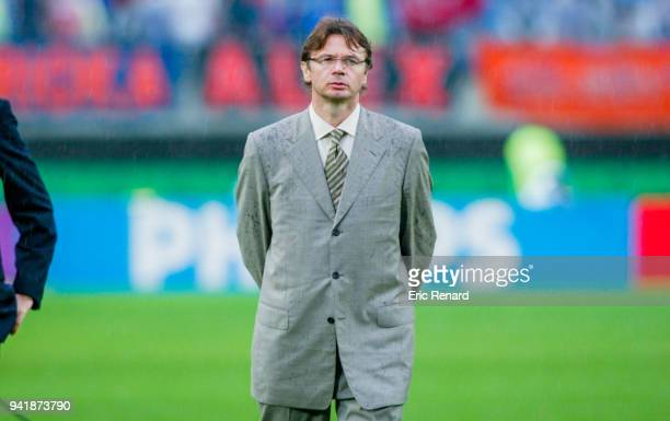Head coach of Japan Philippe Troussier during the world cup match between Japan and Turkey at Miyagi Stadium in Rifu Japan on june 18th 2002