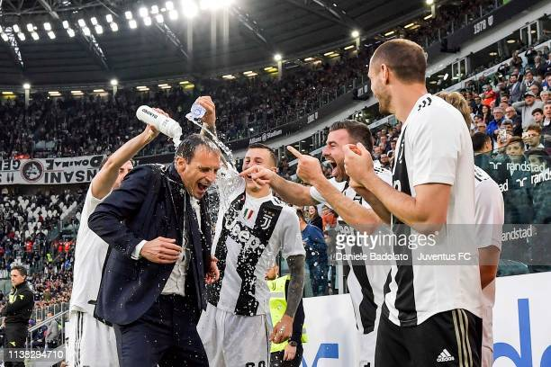 head coach of Juventus Massimiliano Allegri celebrates with his players the winning of the Italian championship 20182019 after the Serie A match...