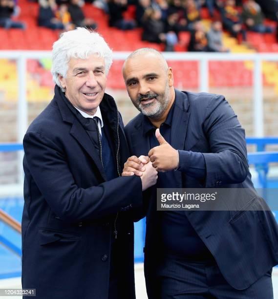 Head coach of Lecce Fabio Liverani and head coach of Atalanta Giampiero Gasperini shake hands during the Serie A match between US Lecce and Atalanta...