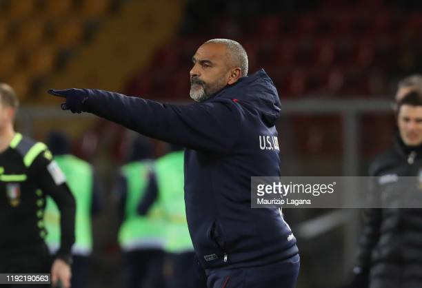 Head coach of Lecce Fabio Liverani gestures during the Serie A match between US Lecce and Udinese Calcio at Stadio Via del Mare on January 6, 2020 in...