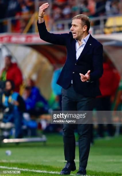 Head coach of Medipol Basaksehir Abdullan Avci gives tactics to his players during Turkish Super Lig soccer match between Aytemiz Alanyaspor and...