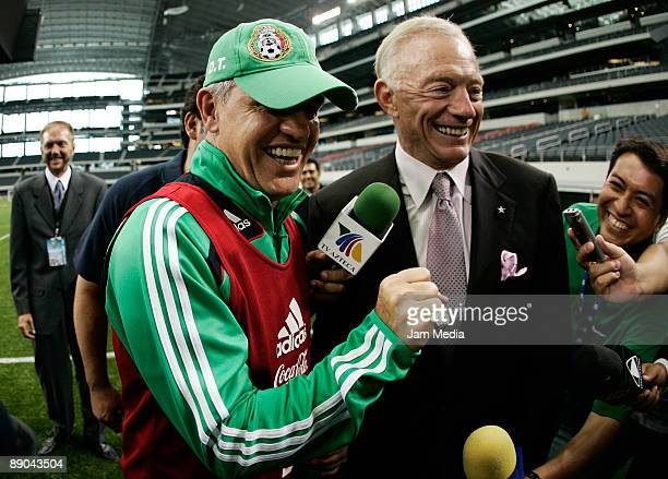 Head Coach of Mexico Javier Aguirre shows the ring of Super Bowl championship togheter with Jerry Jones owner of Dallas Cowboys during a Mexico's...