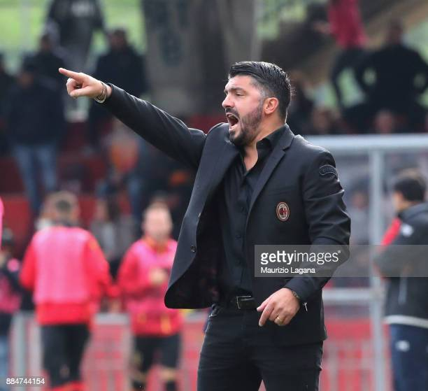 Head coach of Milan Gennaro Gattuso gestures during the Serie A match between Benevento Calcio and AC Milan at Stadio Ciro Vigorito on December 3...
