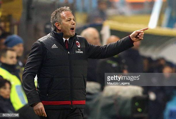 Head coach of Milan Sinisa Mihajloivc gestures during the Serie A match between Frosinone Calcio and AC Milan at Stadio Matusa on December 20 2015 in...