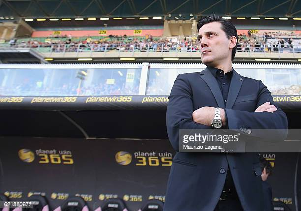 Head coach of Milan Vincenzo Montella during the Serie A match between US Citta di Palermo and AC Milan at Stadio Renzo Barbera on November 6 2016 in...