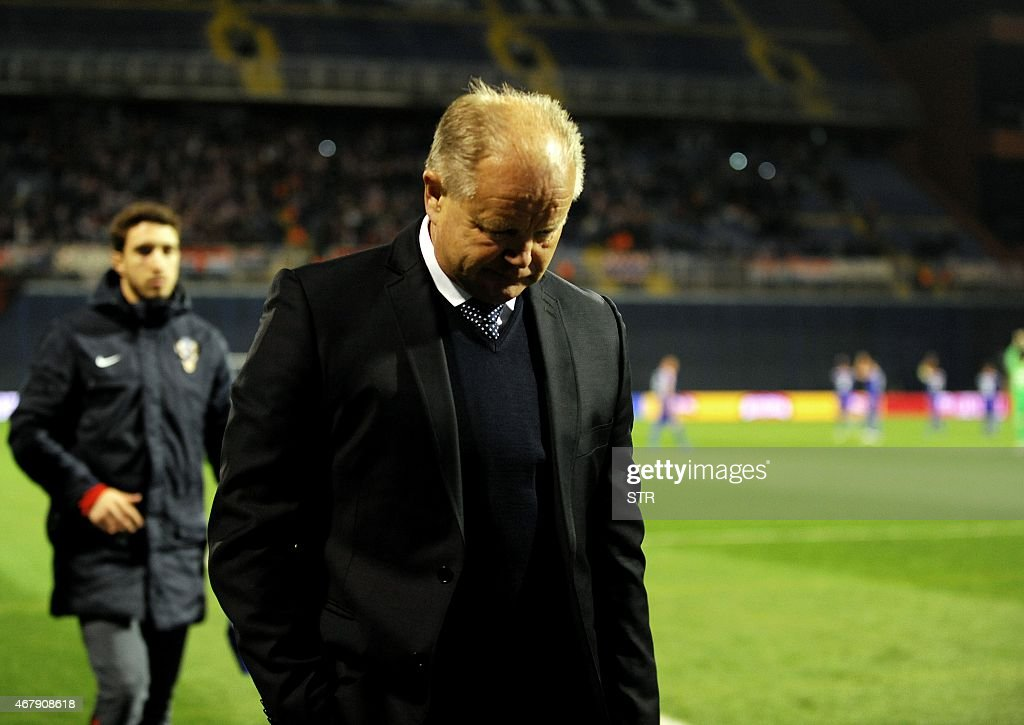 Head coach of Norway Per Mathias Hogmo leaves the ground after his team lost the Euro 2016 qualifying football match between Croatia and Norway at the Maksimir stadium in Zagreb on March 28, 2015. Croatia won 5-1.