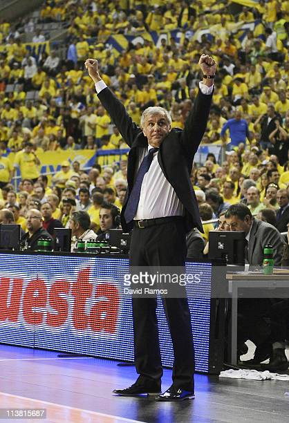 Head coach of Panathinaikos Zeljko Obradovic celebrates during the Turkish Airlines EuroLeague Final Four Semi Final between Panathinaikos Athens and...