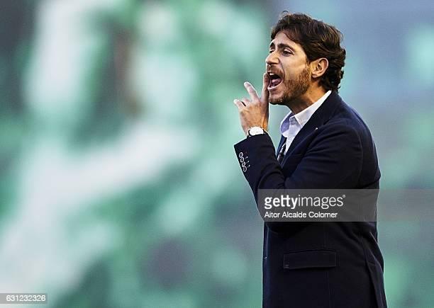 Head Coach of Real Betis Balompie Victor Sanchez del Amo gives instructions La Liga match between Real Betis Balompie v CD Leganes at Benito...