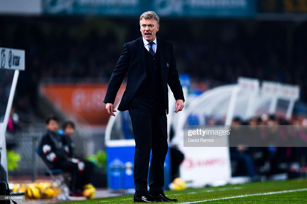 Head coach of Real Sociedad David Moyes reacts on during the La Liga match between Real Sociedad de Futbol and FC Barcelona at Estadio Anoeta on January 4, 2015 in San Sebastian, Spain.