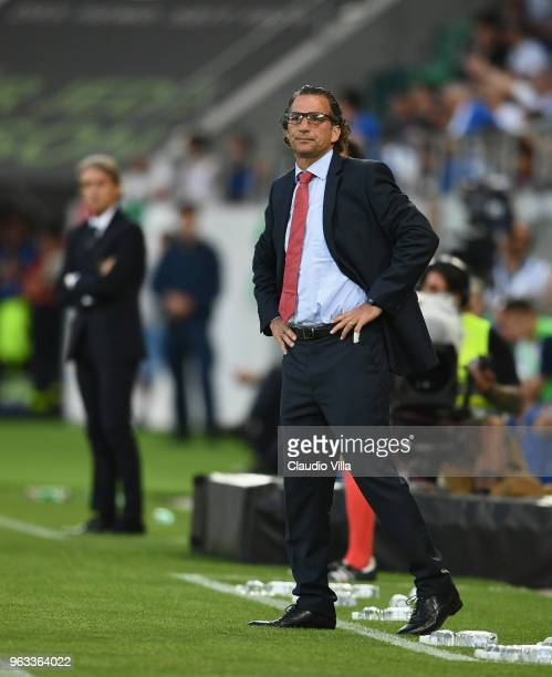 Head coach of Saudi Arabia Juan Antonio Pizzi gestures during the International Friendly match between Saudi Arabia and Italy on May 28 2018 in St...