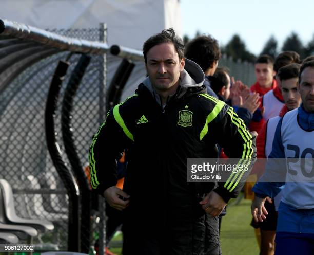 Head coach of Spain Santiago Denia looks on during the U17 International Friendly match between Italy and Spain at Juventus Center Vinovo on January...