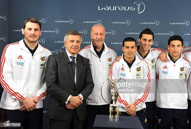 Head coach of the Spanish team Vicente del Bosque and Spanish team players Iker Casillas Pedro Rodriguez Alvero Albeloa and Jesus Navas receive the...