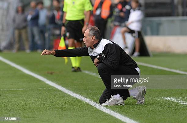Head coach of Udinese Francesco Guidolin gestures during the Serie A match between Udinese Calcio and Cagliari Calcio at Stadio Friuli on October 6...