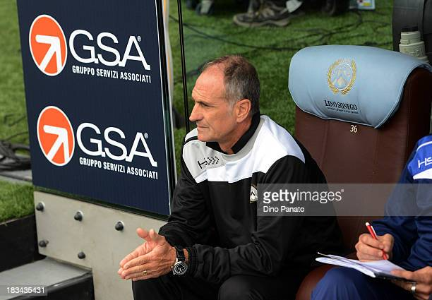 Head coach of Udinese Francesco Guidolin looks on during the Serie A match between Udinese Calcio and Cagliari Calcio at Stadio Friuli on October 6...