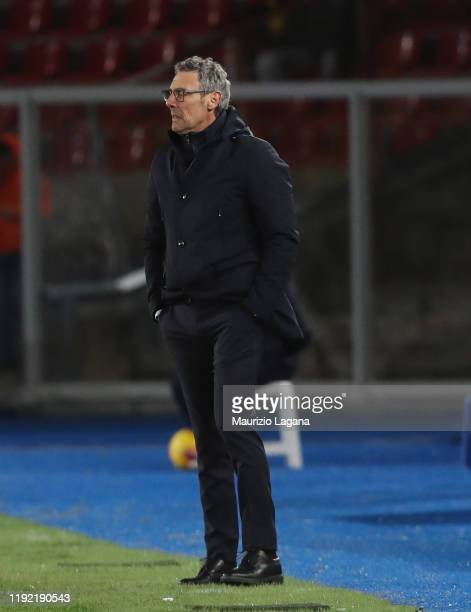 Head coach of Udinese Luca Gotti looks on during the Serie A match between US Lecce and Udinese Calcio at Stadio Via del Mare on January 6 2020 in...