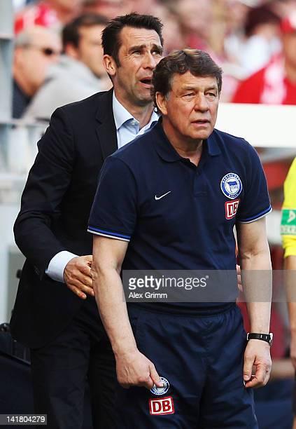Head coach Otto Rehhagel and manager Michael Preetz of Berlin react during the Bundesliga match between FSV Mainz 05 and Hertha BSC Berlin at Coface...