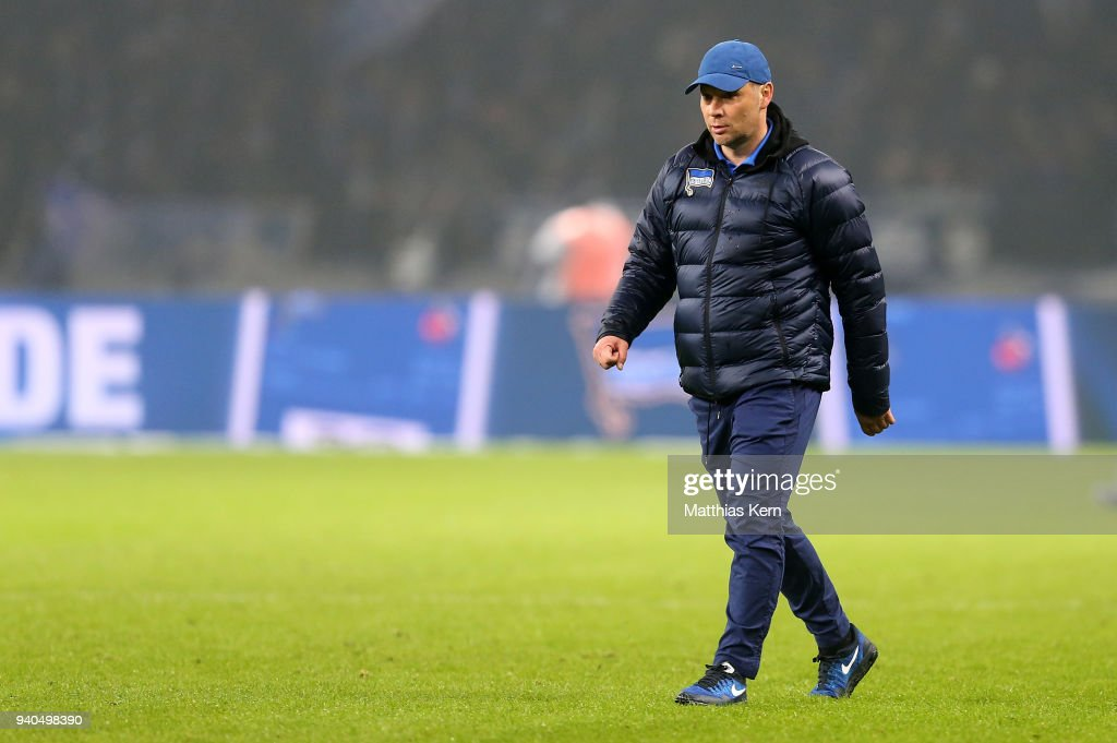 Head coach Pal Dardai of Berlin looks on after the Bundesliga match between Hertha BSC and VFL Wolfsburg at Olympiastadion on March 31, 2018 in Berlin, Germany.