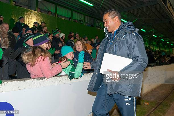 Head Coach Pat Lam of Connacht thanks his fans after the Guinness PRO12 Round 10 match between Connacht Rugby and Benetton Treviso at the...