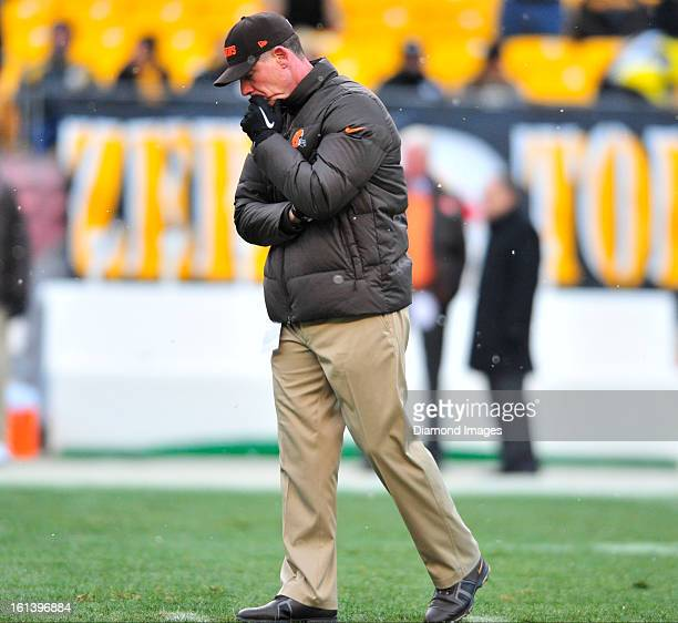 PITTSBURGH PENNSYLVANIA DECEMBER 30 2012 Head coach Pat Shurmur of the Cleveland Browns stands on the field before a game against the Pittsburgh...