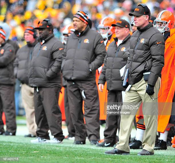 PITTSBURGH PENNSYLVANIA DECEMBER 30 2012 Head coach Pat Shurmur of the Cleveland Browns watches his team from the sideline during a game against the...