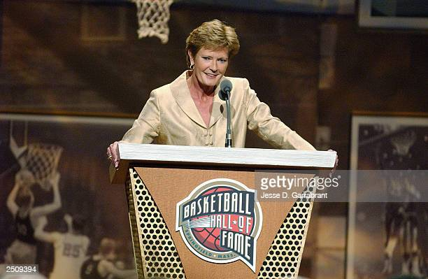 Head coach Pat Summitt of the Tennessee Lady Vols speaks before presenting former head coach Leon Barmore of Louisiana Tech University at the...