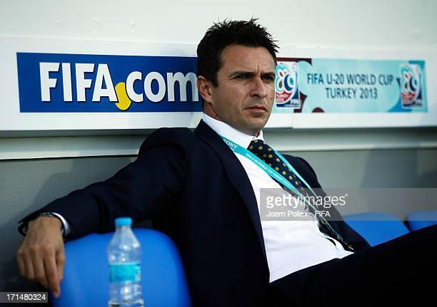 Head coach Paul Okon of Australia is seen prior to the FIFA U20 World Cup Group C match between Australia and El Salvado at Yeni Sehir Stadium on...