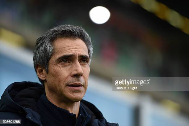 Head coach Paulo Sousa of Fiorentina looks on during the Serie A match between US Citta di Palermo and ACF Fiorentina at Stadio Renzo Barbera on...