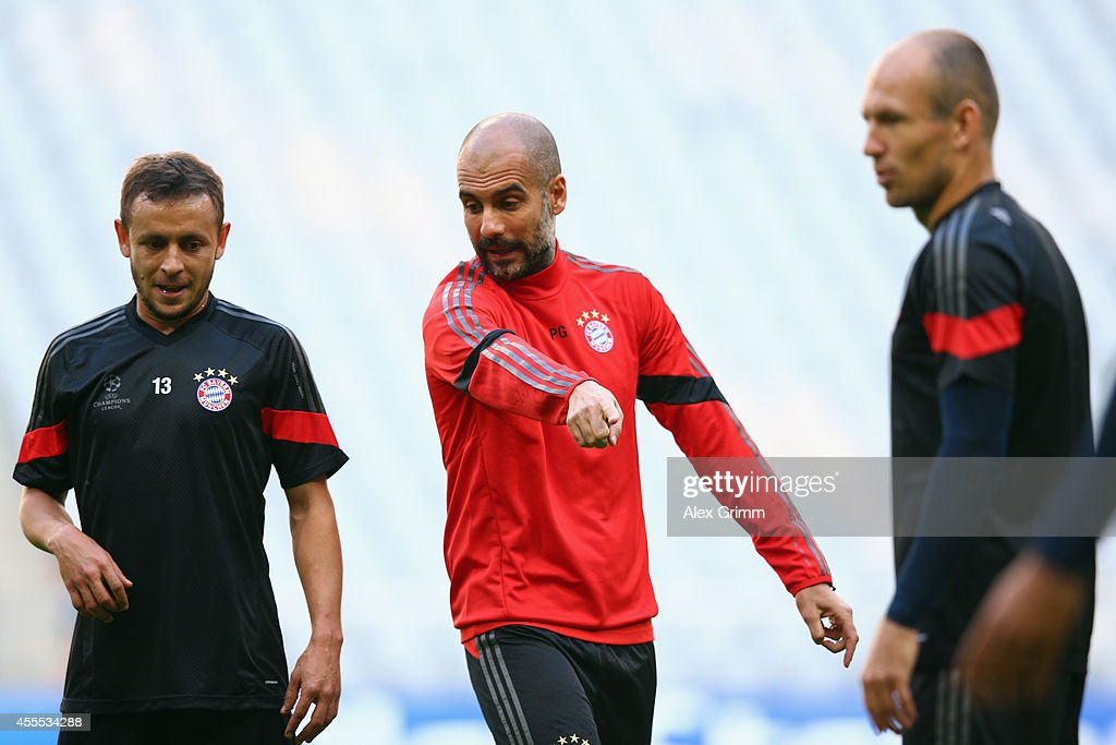 FC Bayern Muenchen - Training & Press Conference : News Photo