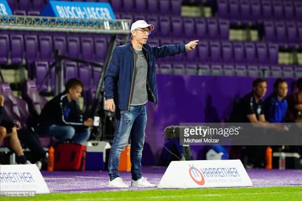 Head Coach Peter Stoeger of Austria Wien gestures during the tipico Bundesliga match between FK Austria Wien and TSV Hartberg at Generali Arena on...