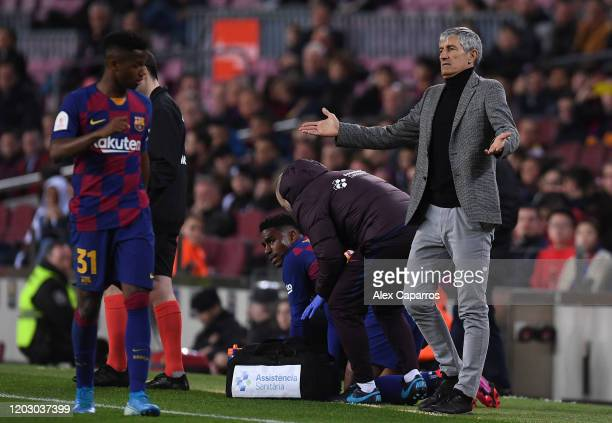 Head Coach Quique Setien of FC Barcelona reacts during the Copa del Rey Round of 16 match between FC Barcelona and CD Leganes at Camp Nou on January...