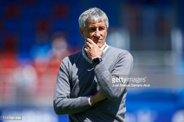 Head coach Quique Setien of Real Betis Balompie looks on prior to the start the La Liga match between SD Eibar and Real Betis Balompie at Ipurua...