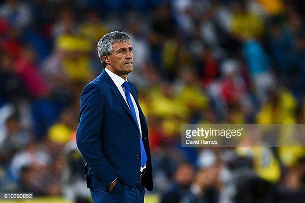 Head coach Quique Setien of UD Las Palmas looks on during the La Liga match between UD Las Palmas and Real Madrid CF on September 24 2016 in Las...