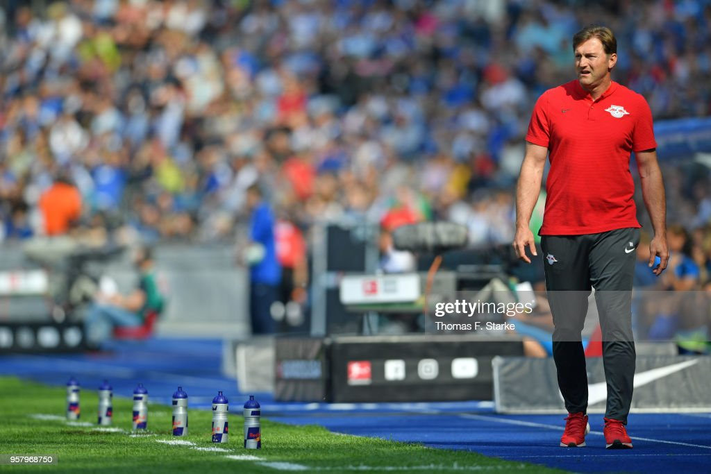 Head coach Ralph Hasenhuettl of Leipzig looks on during the Bundesliga match between Hertha BSC and RB Leipzig at Olympiastadion on May 12, 2018 in Berlin, Germany.