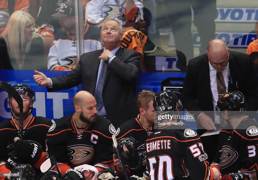 Nashville Predators v Anaheim Ducks - Game Five : News Photo