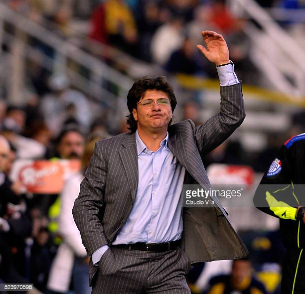 Head coach Reggina Calcio Walter Mazzarri reacts during the Serie A 2006/2007 26th round match between FC Parma and Reggina Calcio played at the...