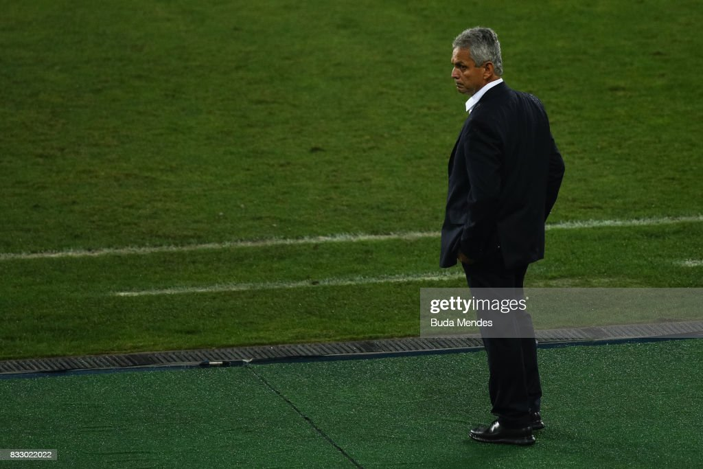 Head coach Reinaldo Rueda of Flamengo looks on during a match between Botafogo and Flamengo as part of Copa do Brasil Semifinals 2017 at Nilton Santos Olympic Stadium on August 16, 2017 in Rio de Janeiro, Brazil.