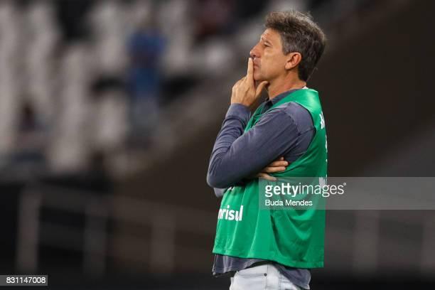 Head coach Renato Gaucho of Gremio during a match between Botafogo and Gremio as part of Brasileirao Series A 2017 at Nilton Santos Stadium on August...
