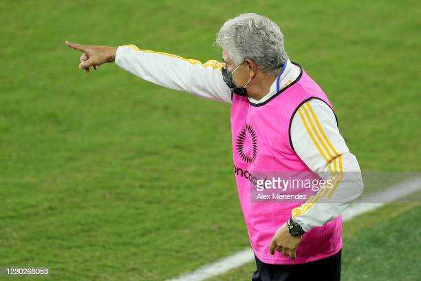 Head coach Ricardo Ferretti of Tigres UANL instructs his team during the CONCACAF Champions League final game against Los Angeles FCat Exploria...