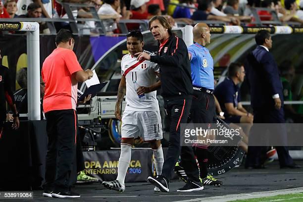 Head coach Ricardo Gareca # of Peru talks with Raul Ruidiaz during the second half of the 2016 Copa America Centenario Group B match against the...