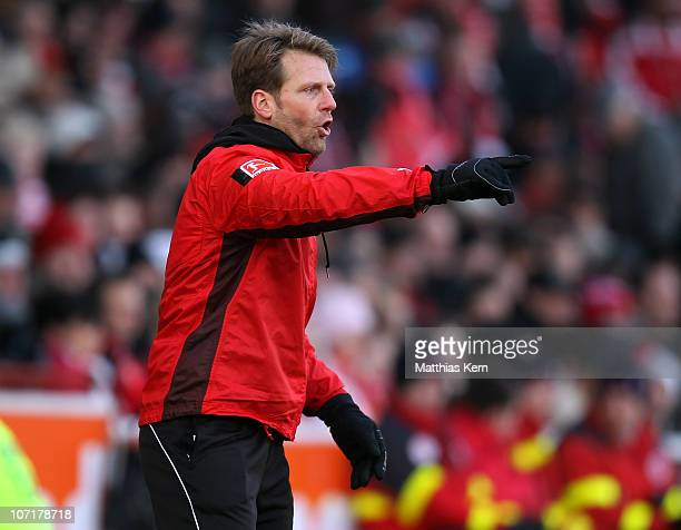 Head coach Rico Schmitt of Aue gives instructions during the Second Bundesliga match between FC Energie Cottbus and Erzgebirge Aue at Stadion der...